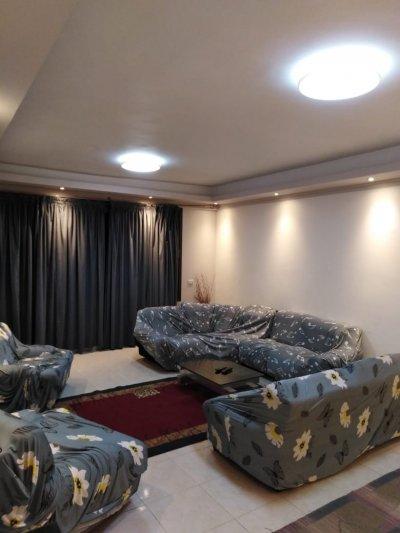 بموقع مميز شقة مفروشة بجوار #سيتي ستارز مول وقريبة من #دار_الامداد_والتموين
