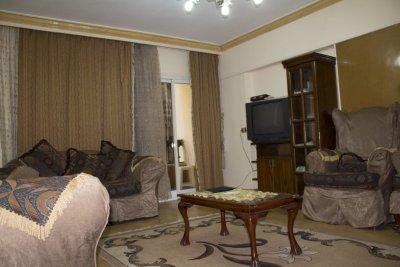 بجوار #طيبة_مول شقة مفروشة للايجار على طريق النصر بأبرا