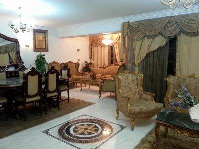 من المالك مباشره بسعر لقطة شقة مفروشة 200م للايجار شارع مكرم عبيد امام السراج مول