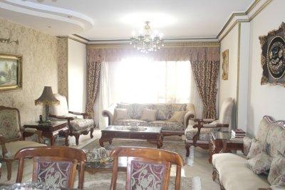 شقة شارع محمد مقلد تانى نمره من حسن الشريف المنطقة الثامنه مدينة نصر