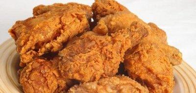 طريقة قلي الدجاج بدون طحين أو بقسماط